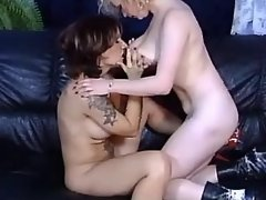 Chesty lesbian dildos juicy pussy